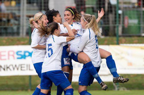 Bei den Spielerinnen des FFC Vorderland war die Freude groß. Foto: vn/stiplovsek