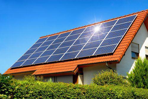 Thermische Solaranlagen zur Warmwassererzeugung haben oft das Nachsehen.