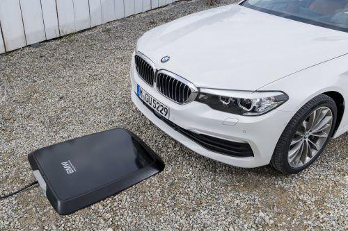 BMW startet noch heuer mit dem induktiven Laden.