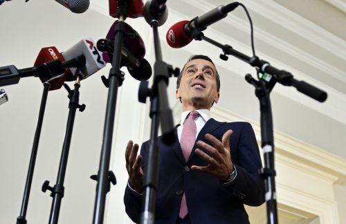 Bundeskanzler Christian Kern geizte bei einem Auftritt vor Journalisten nicht mit Kritik an der ÖVP.  Foto: APA