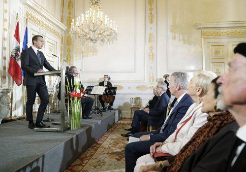 Bundeskanzler Christian Kern warnte bei der Gedenkfeier zum Kriegsende vor faschistischen Strömungen. APA/BKA/ANDY WENZEL