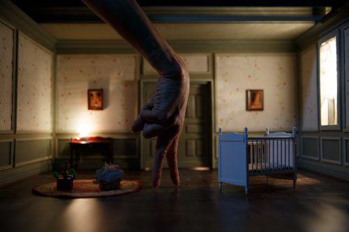 """""""Cold Blood"""" ist eine große Bühnenproduktion und eine poetische Reise voller Fingerspitzengefühl und verblüffendster visueller Erfindungen. foto: julien lambert"""