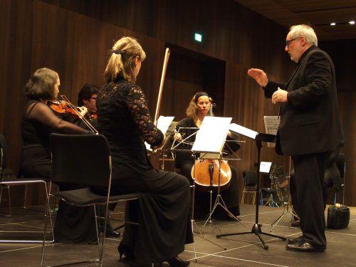 Am Samstag findet im Martinsturm und im Magazin 4 ein ganz besonderer Konzertabend zum 60. Geburtstag des gebürtigen Bregenzer Komponisten Richard Dünser statt. VN/JURMANN