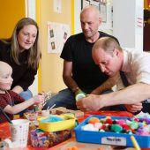 Prinz William besucht kleine Krebspatienten