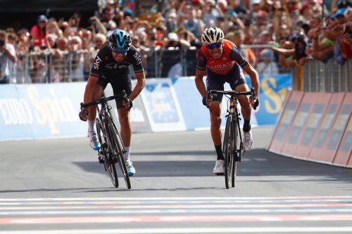 """Der """"Hai von Messina"""" Vincenzo Nibali (r.) setzte sich im Zielsprint der 16. Giro-Etappe gegen den Spanier Mikel Landa durch. Foto: Afp"""