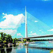 Eine imposante Brücke