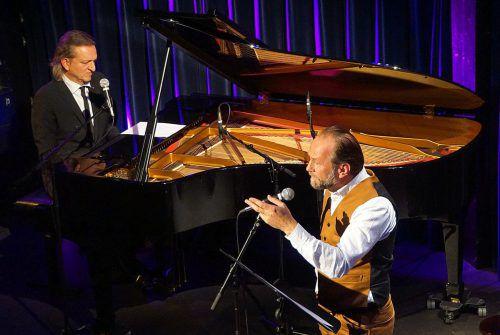 Ein kongeniales Duo: Markus Linder und Uli Brée stehen gemeinsam für zwei Termine auf der Bühne des Theaters am Saumarkt in Feldkirch. foto: iris krug/tas