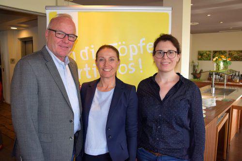 Elmar Herburger (GH Mohren), Carolin Frei und Silvia Senoner.