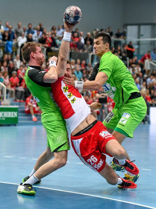 Energischer Einsatz von Hard-Kreisläufer Lukas Herburger