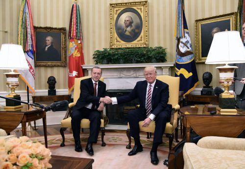 Erstmals haben sich der US-Präsident und sein türkischer Amtskollege persönlich getroffen. Foto: AFP