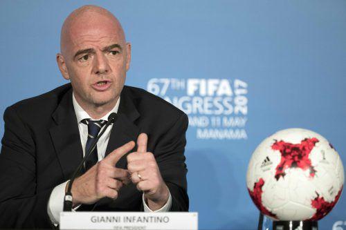 FIFA-Boss Gianni Infantino muss sich harter Kritik aussetzen.  apa