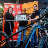 Glücklicher E-Bike-Gewinner