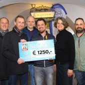 FC Tosters 99 spendet 1250 Euro für Ma hilft