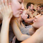 Rund 50 Schüler, Lehrlinge und Flüchtlingskinder erarbeiten ein Tanzprojekt mit dem Symphonieorchester Vorarlberg