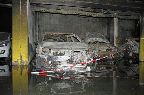 In der Tiefgarage standen vier Autos in Vollbrand, insgesamt entstand ein Schaden von 670.000 Euro. Vol.at/Madlener