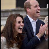Lustige Gartenparty bei den Royals