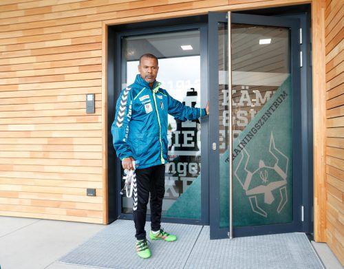 Für die VN öffnete Lassaad Chabbi nicht nur die Tür ins Rieder Trainingszentrum, er gab auch ganz persönliche Einblicke in seine Gedankenwelt vor dem Entscheidungsspiel seiner Mannschaft in Altach.
