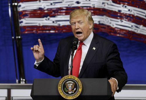 Für Trumps geplante Grenzmauer gibt es kein Geld. Foto: AP