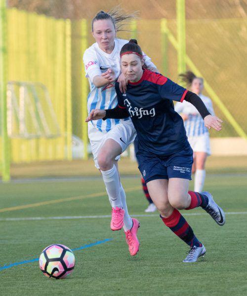 Hannah Oberdorfer (r.) muss mit dem FC Staad absteigen. Hepberger