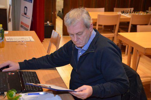 Harald Amann arbeitet jährlich rund 750 Stunden ehrenamtlich für den Schachsport. Foto: verein