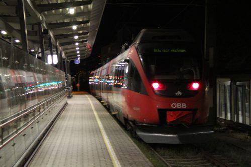 In Altach, Bregenz-Hafen und Lochau sollen Bahnsteige verlängert und Haltestellen ausgebaut werden.