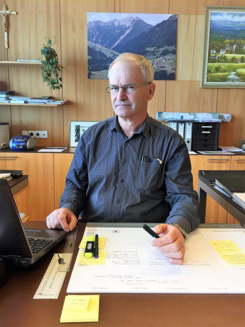In drei Jahren will sich Gemeindechef Hermann Manahl aus der Politik zurückziehen.  Foto: VN/JS