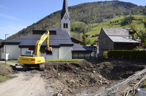 In Mellau haben die Bauarbeiten begonnen, Fertigstellung bis Herbst 2018. Foto: mam