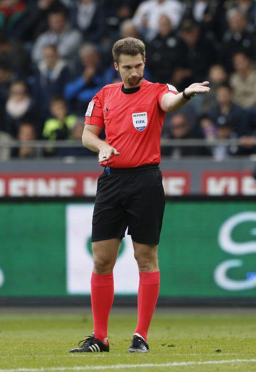 International im Einsatz: BL-Referee Dominik Ouschan. apa