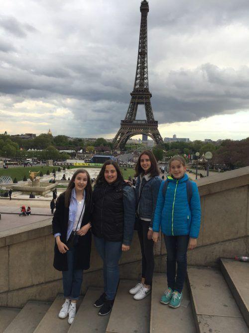 Isabelle, Florentina, Joelle, Eva-Maria und Myriam starteten in Paris.