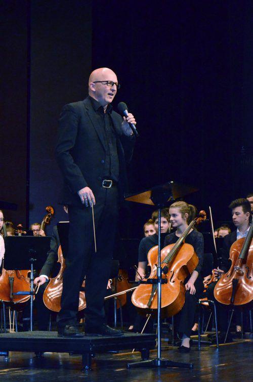 Ivo Warenitsch dirigierte das Jugendsinfonieorchester Foto: ERH