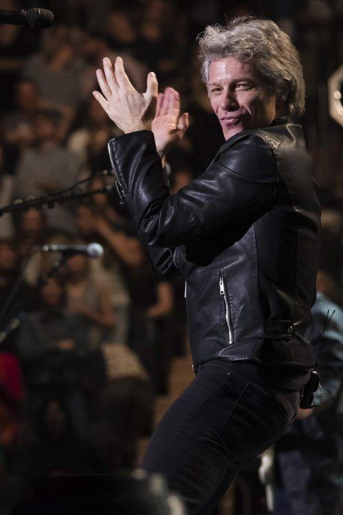 Jon Bon Jovi (55) wandte sich auch persönlich an die Studenten.