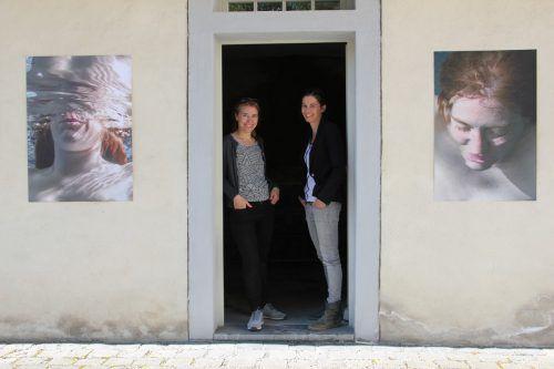 Karin Nussbaumer und Ursula Dünser schufen Arbeiten zur Hohenemser Mikwe. Foto: AG