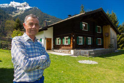 Kilian Hager lebt am Berg wie ein Einsiedler. Die Wintermonate verbringt er allerdings im Tal.  Vn/Hofmeister