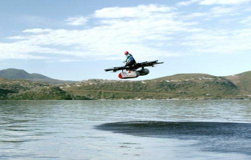 Kitty Hawk hat einen bemannten Prototypen in die Luft bekommen.