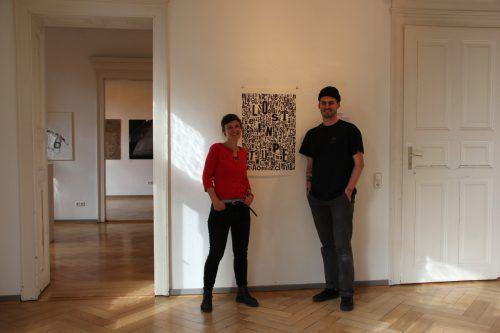 Kuratoren der Schau sind Melanie Berlinger und Florian Gerer.