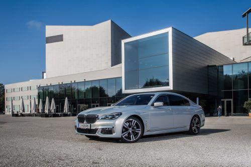 Luxuslimousine mit fast 5,3 Metern Länge und innovativem Plug-In-Hybridantrieb. Fotos: VN/Steurer