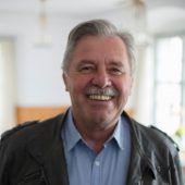 """<p class=""""caption"""">Mandi Strasser aus Bregenz: Einer der bekanntesten Gastronomen im Land, heute """"nur"""" noch Pensionist sowie Obmann der Bregenzer 1947er und Ore- Ore-Obmann.</p>"""