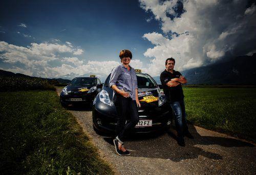 Manuela Kopf und ihre Mitarbeiter sind von der Alltagstauglichkeit der Elektroautos überzeugt.