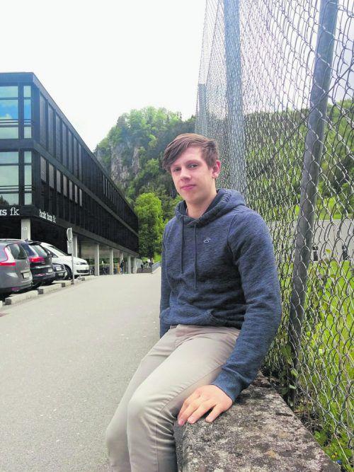 Marco Rossi möchte nicht nur auf dem Eis überzeugen, sondern auch die Handelsschule in Feldkirch abschließen.  Foto: ab