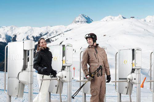 Mit einem Onlineticket schnell und bequem die Pisten zu erreichen, soll bald in vielen Skigebieten möglich sein.  Foto: Skidata