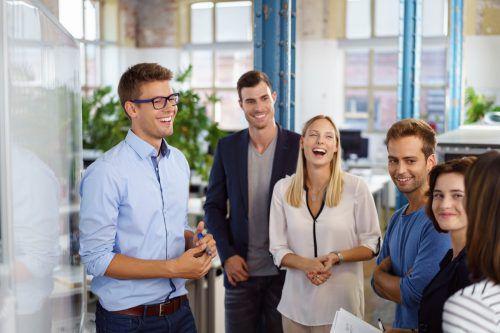 Mitarbeiter schätzen hohe Eigenverantwortung. Deshalb sehen sie sich auch für die Jobzufriedenheit selbst in der Pflicht.