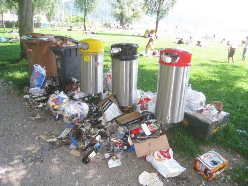 Nach dem ersten schönen Badewochenende waren es über 600 Kilo Müll, der im Schwarzbad zurückgelassen wurde. Foto: bms