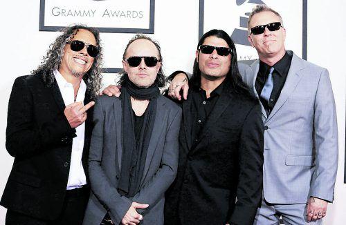 """Nachdem einer """"Metallica""""-Coverband das komplette Equipment gestohlen wurde, half die Originalband spontan mit einer neuen Ausrüstung."""