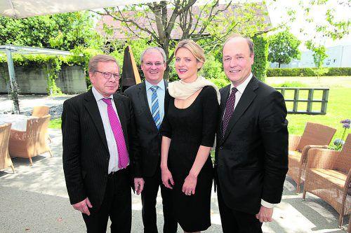 Philippe Walkiers, LT-Präsident Harald Sonderegger, Honorarkonsulin Katharina Wagensonner und Botschafter Willem van de Voorde.  ame