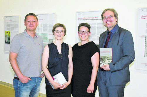 Präsentierten Historisches: Martin Gunz (l.), Nicole Ohneberg, Katrin Netter und Andreas Brugger. FOTOS: FRANC