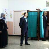Algerier wählen ein neues Parlament