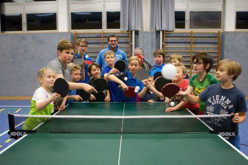 Rund 20 Kinder trainieren derzeit im UTTC Kennelbach.  Fotos: jen, Hartinger