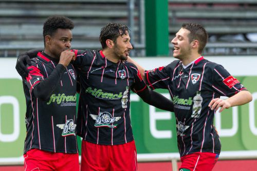 Samir Luiz Sganzerla (l.) und seine Kollegen wollen überraschen.