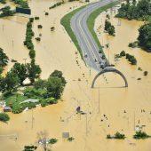 Zyklon treibt 600.000 Menschen in die Flucht