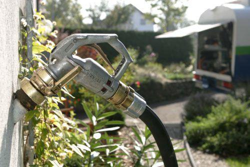 Trotz hoher Ölheizungsdichte liefern Energiehändler immer weniger Heizöl an die Kunden.  Foto: Shourot